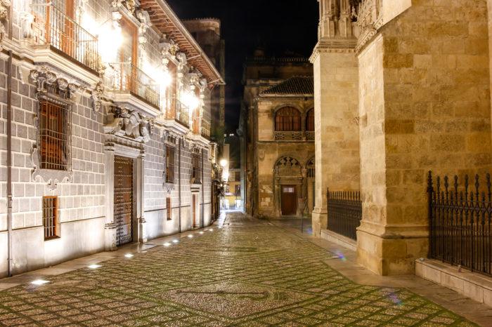 Free Tour de la Granada Oscura: Misterios y Leyendas